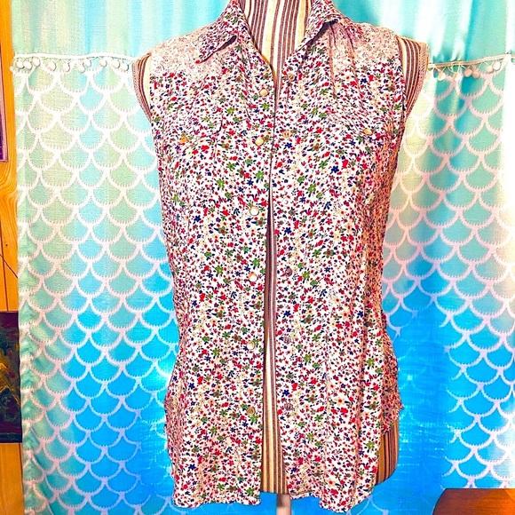 Vintage wrangler floral sleeveless pearl snap top
